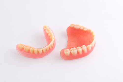 Traditional Dentures, Snap-on Dentures, All-on-4 Permanent Dentures